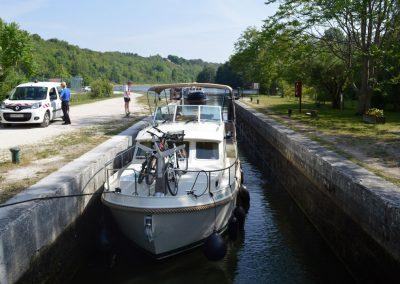 messing-in-boats_linssen_in-lock