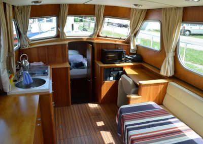messing-in-boats_linssen_interior