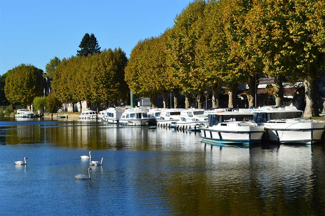 The Le Boat base in Jarnac